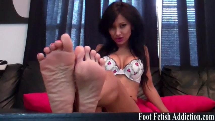 Nylon toes fetish tease