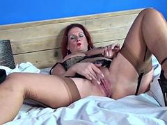 Sexy mature mom videos