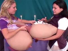 Дойки молока с сисек видео, вагинальная надувная пробка порно